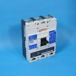 Cutler Hammer LD3450 Molded Case Circuit Breaker with Handle In Trip Position